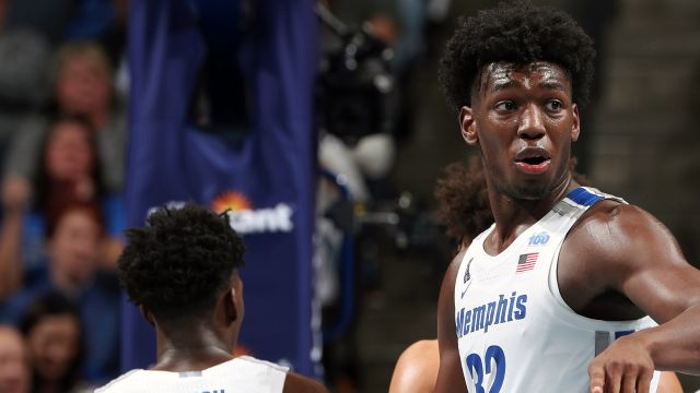 UIC vs. #14 Memphis (M Basketball)