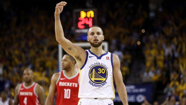 Warriors atropelam Rockets e fazem 2 a 1 na série