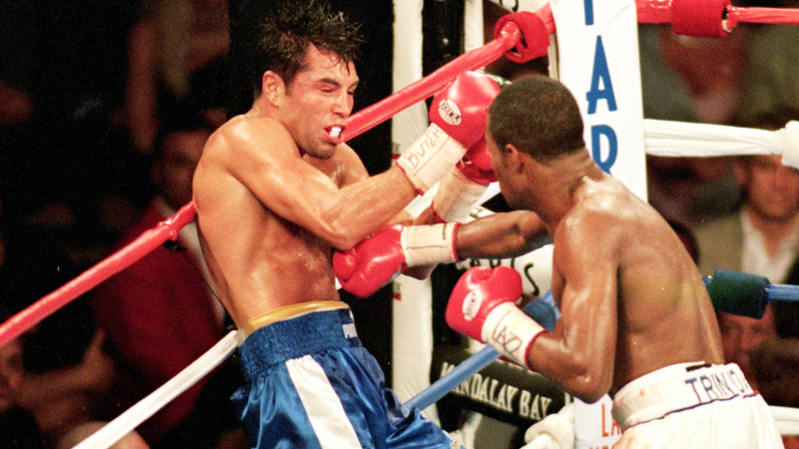 Oscar De La Hoya vs. Felix Trinidad (re-air)
