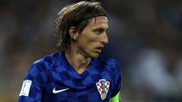 As caminhadas de  Modric, Piqué e Vela até a Copa