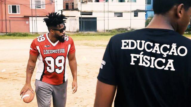 F.A de Favela: a iniciativa que leva o futebol americano para jovens carentes