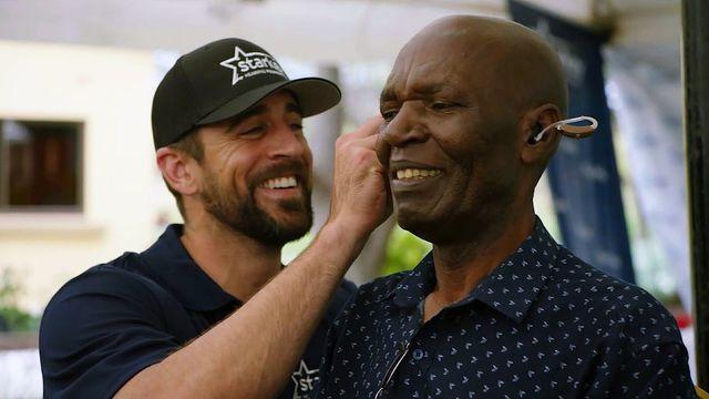Conexão sonora: Rodgers e Fitzgerald cruzaram o oceano para ajudar deficientes auditivos