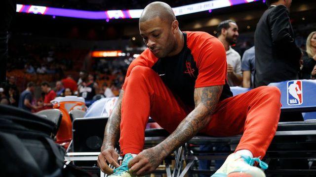 Fanático por tênis de basquete, ala dos Rockets mostra sua coleção de raridades